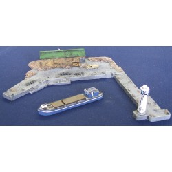 M002 Small port